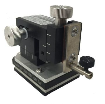 EverBeing EB-700-12ER Miniature Micropositioner, 2.0µm Resolution, Magnet On/Off, Right Hand