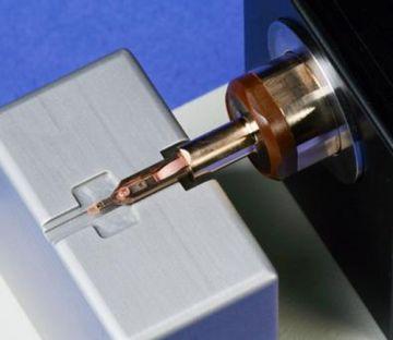 Fischione Model 2030 Ultra-Narrow Gap Tomography Holder